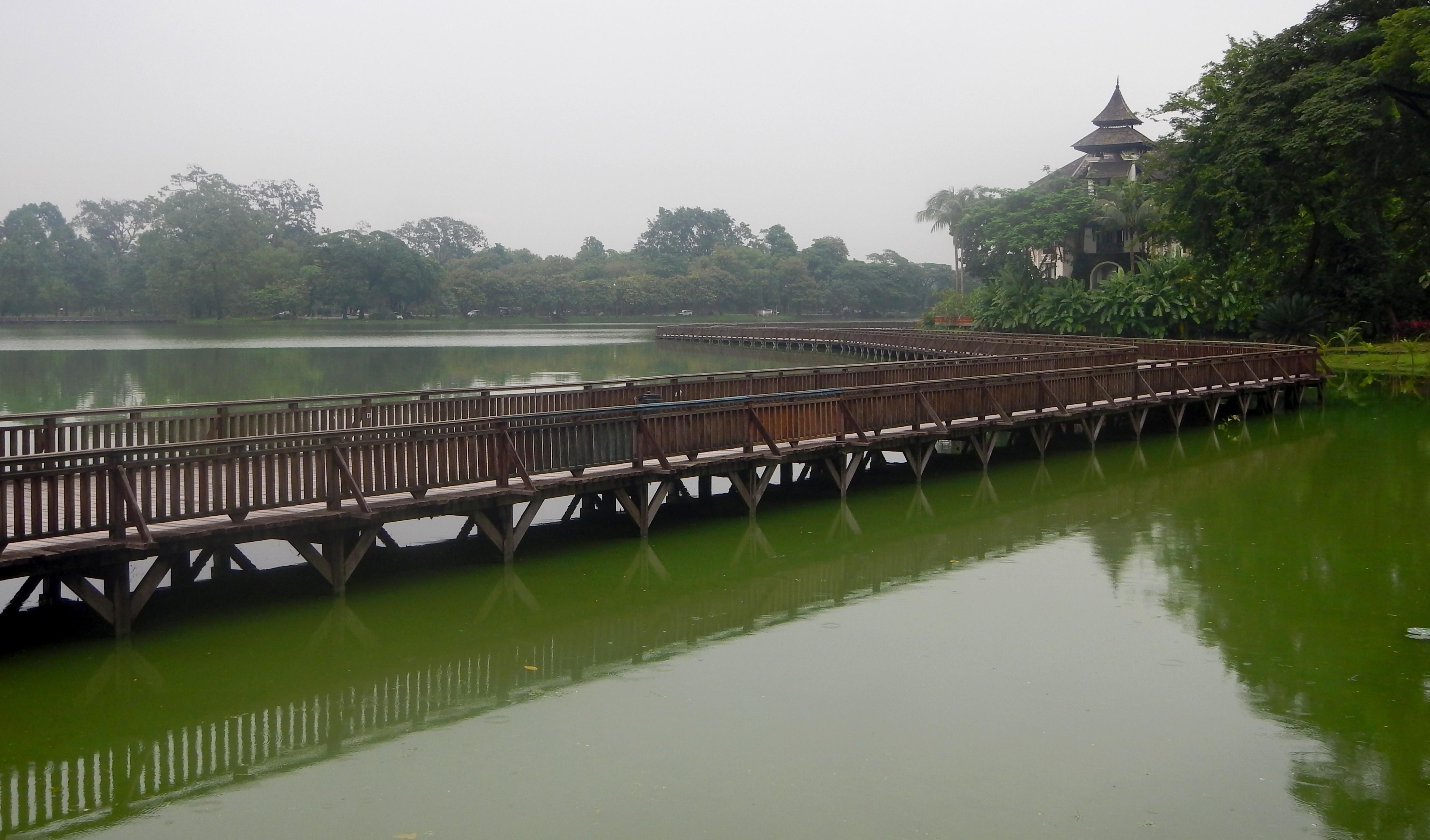 14 Yangon 2 089 Lago Kandawgyi 2