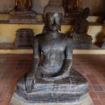 Buda sedente