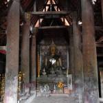 Interior de Wat Siphoutthabat Thippharam